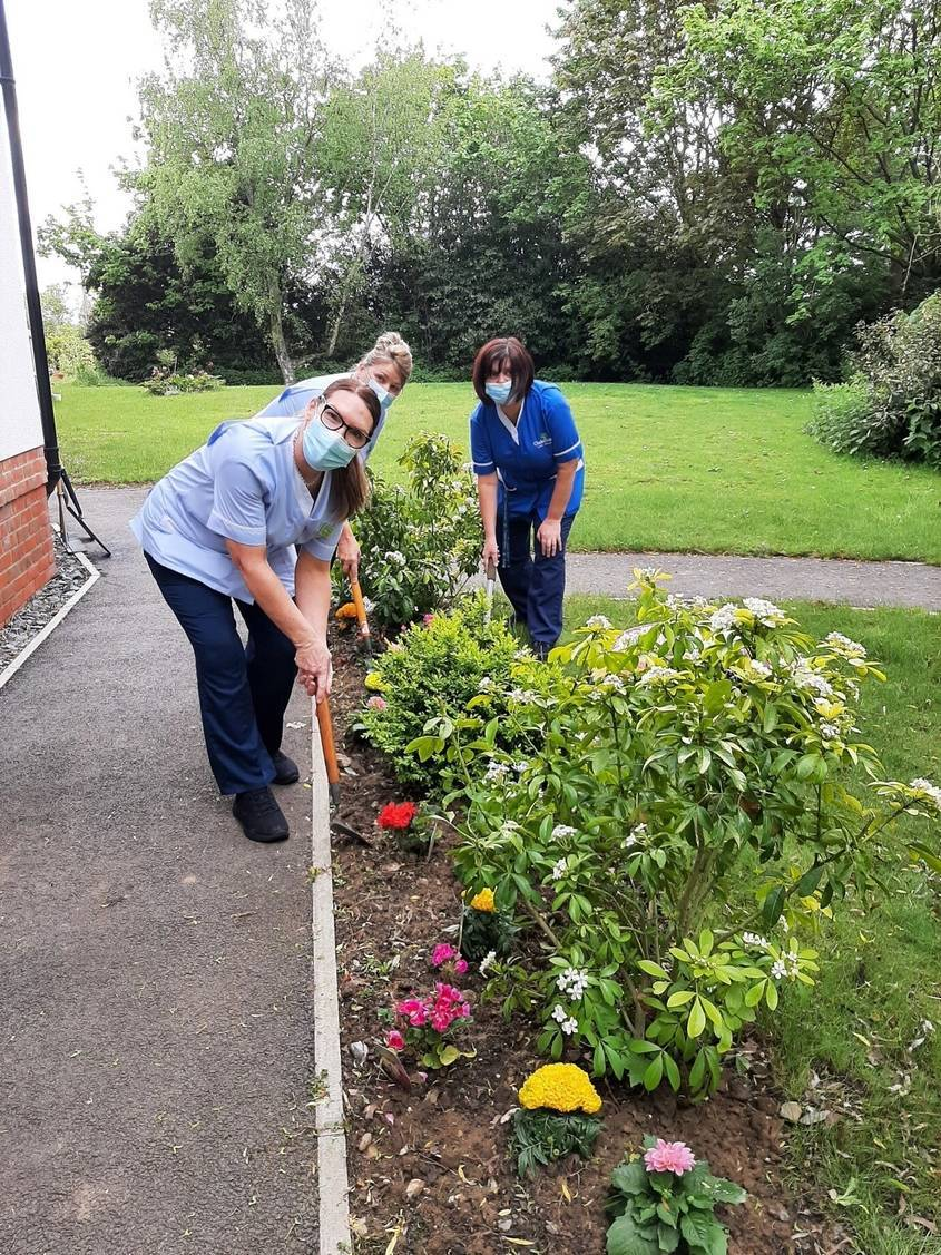 Tesco Donate Flower Trays to Layston Grove Care Home
